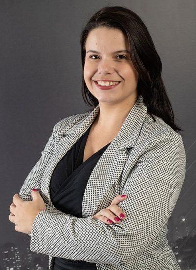 Dra. Mariana Gomes Carvalho
