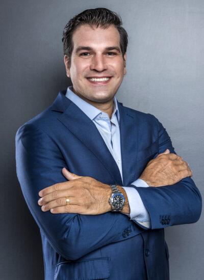 Dr. Thiago Massicano